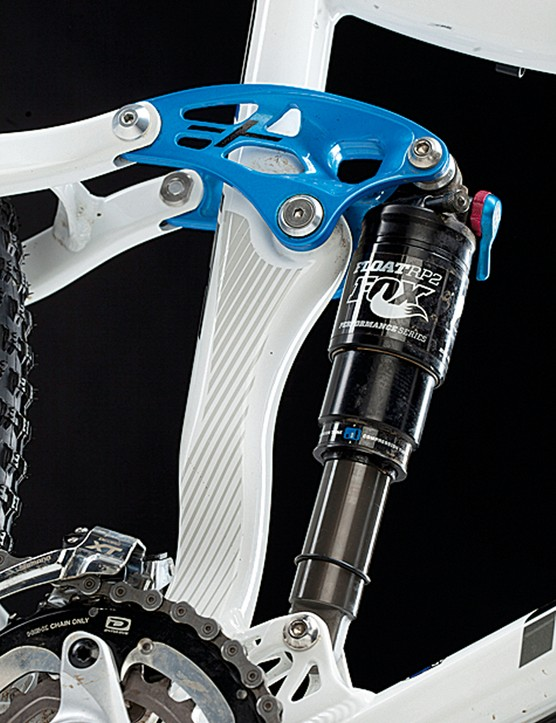 Tweaked ART suspension meant we didn't have to bother the ProPedal lever on the Fox shock