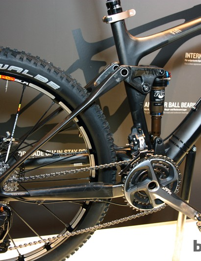 Canyon fits the new Nerve CF with a carbon rear end - including the upper shock link - that omits dropout pivots in favor of tuned flex in the stays