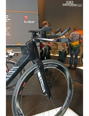 Triathletes looking for a more upright position than what TT riders normally run can use a taller setup on Canyon's new Speedmax CF