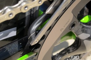 Visual guides on the front and rear edges of the front derailleur cage make for easier setup
