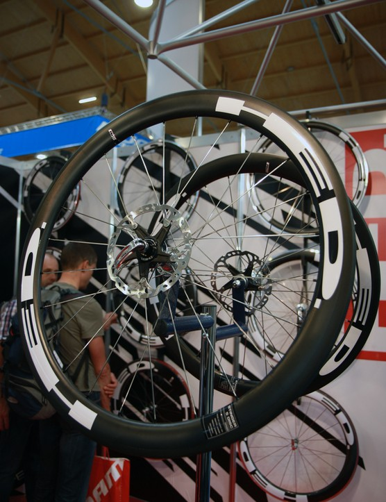 Cyclocross racers on the cutting edge can look to HED's new disc brake-compatible Stinger 5 Disc carbon tubulars. Claimed weight for the pair is 1,629g