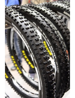 The new Maxxis High Roller II boasts a more open tread design for improved grip in loose conditions plus a trimmed-down center section that should offer lower rolling resistance than the original High Roller