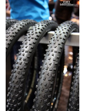 Schwalbe has revised the Rocket Ron with stouter side knobs, a more tubeless-friendly casing construction and 15 percent lower rolling resistance