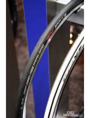 Schwalbe finally jumps on the road tubeless bandwagon for 2013 with the introduction of a new Ultremo ZX variant. Offered solely in a 700x23mm size, claimed weight is 295g