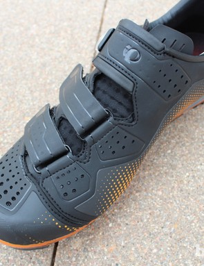 The 2.0 and 3.0 shoes features the same design and construction, only with different materials