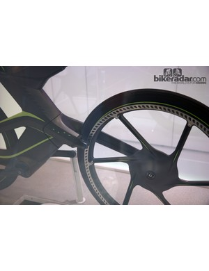 The front brake of Cannondale's CERV concept is integrated into the fork crown and clamps on to a separate rotor that's roughly the same diameter as the rim