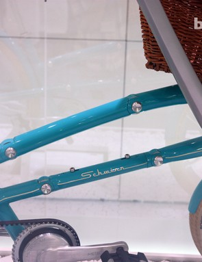 The parallelogram linkage in the Schwinn Ultimate Portable Velo is neatly integrated into the design