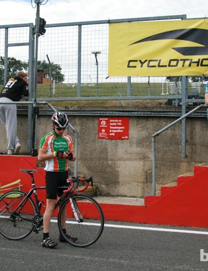 Chris Holliday uploading his race data to BikeRadar Training