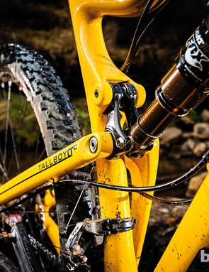Kashima-coated Fox Float RP23 shock comes as part of the top of the range XTR XC29 build