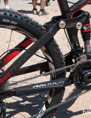 Devinci's new Dixon Carbon uses carbon fiber seat stays paired with aluminum chain stays