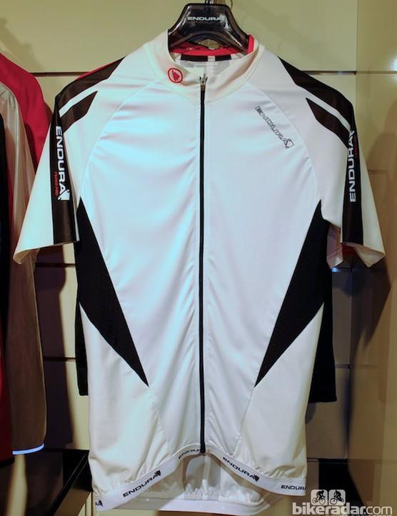 New hem-free sleeves on the FS260-Pro men's jersey