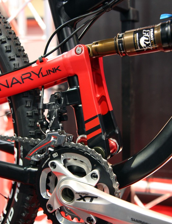 Redline's Binary Link rear suspension design supposedly provides the proven ride characteristics of a good single-pivot design but with the stiffness advantages of a fully enclosed rear triangle