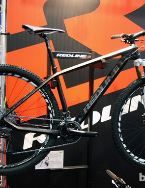 The D680 is Redline's top-end 29er carbon hardtail, with a retail price of US$5,000