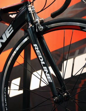 The new Redline RA1 uses a new carbon-bladed fork from Kinesis