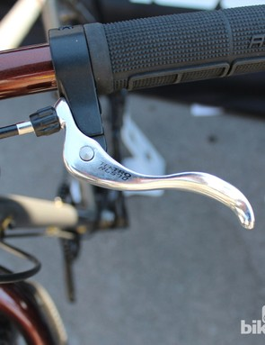 Tektro RL570 levers were picked for their compact size