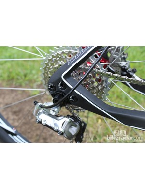 The neat-looking, integrated, replaceable mech hanger and bolt-through axle on the D-Vore
