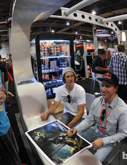 Semenuk and Gwin signing autographs at the Smith booth