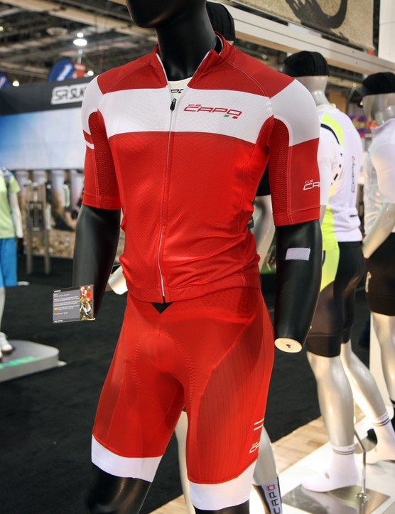 New from Capo for 2013 is the GS-13 kit, featuring form-fitting race-style cuts, carbon-infused fabrics and a unique non-stretch harness at the top of the bib shorts