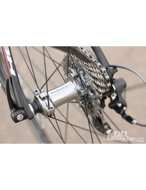 Shimano continues with angular contact bearings in their wheelsets