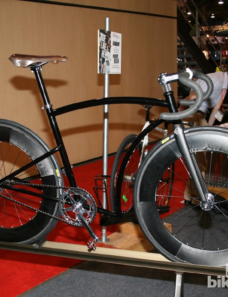 A handmade fixie by the Phil Wood crew. A bit impractical, but hey