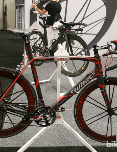 Mad Fiber used this Wilier Cento 1 SR to show off its red carbon/Kevlar wheels