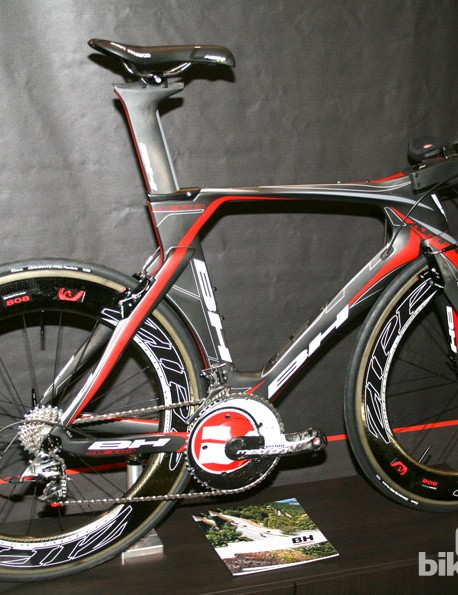 BH Aero time trial/triathlon frameset decked out with Vision and Zipp componentry
