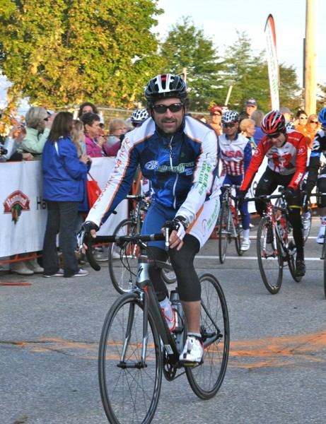 Dempsey rolls out at the start of the 2011 Dempsey Challenge, with Leipheimer, Danielson and Rodriguez behind him