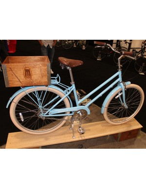 The women's Willow comes in 3- and 7-speed versions