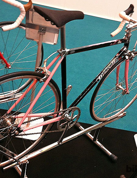 The Catena comes in a Giro d'italia-inspired frame for 2013