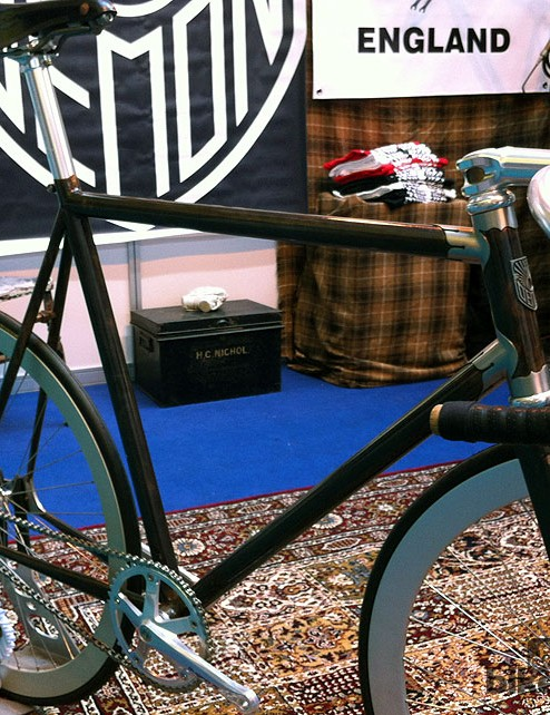 Demon Frameworks base their Signature range around two distinctive lug designs - this track bike uses the Hermes