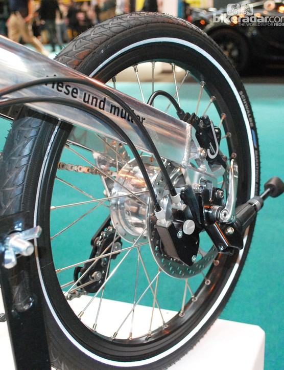 Disc brakes on the Rohloff-equipped Birdy