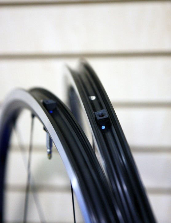 The new Shimano WH-RS61 tubeless road wheelset features a solid outer rim wall that's inherently air tight