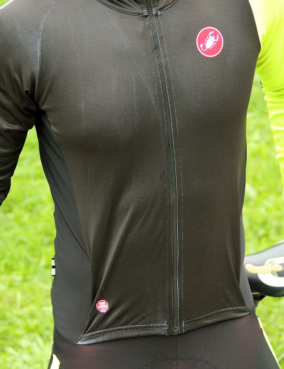 The front panel of the jersey was developed with Gore, makers of the Windstopper fabric