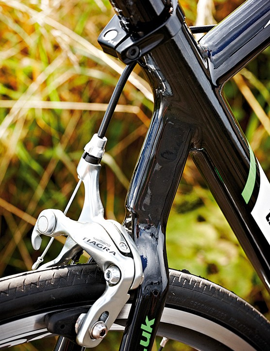 The rear wishbone contributes to a solid and efficient ride