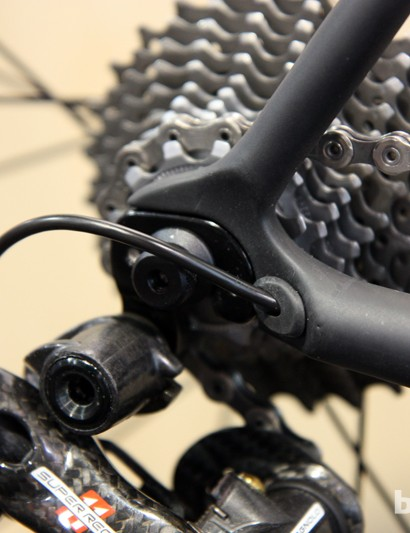 The new molded carbon fiber dropouts on the Parlee Z-Zero include a port for use with electronic wires