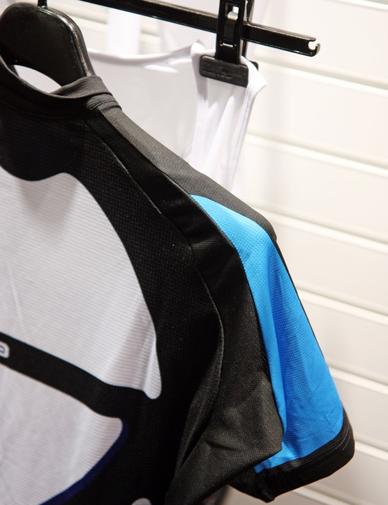 Simpler shoulder construction on Giordana's Scatto jersey yields a slightly more relaxed fit than you get with the company's upper-end offerings