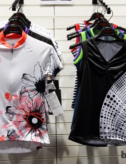 Giordana offers its Arts range for women who prefer to make a bigger visual splash