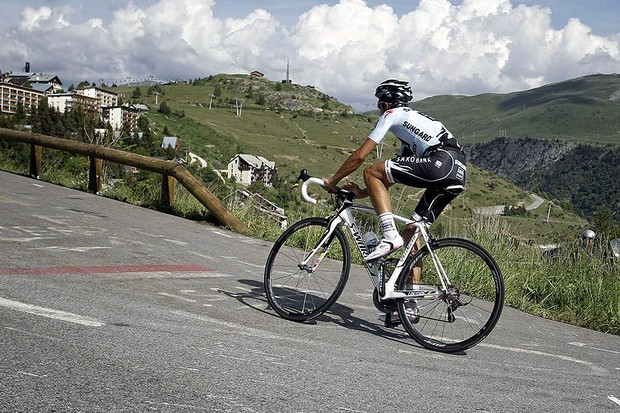 Alberto Contador during his ultimately doomed assault on Alpe d'Huez on stage 19 of the 2011 Tour de France