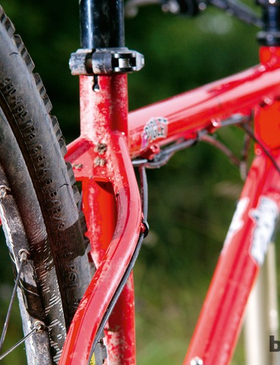 The top tube of the Ragley Piglet X9 is unusually long, but the stem is stubby to compensate
