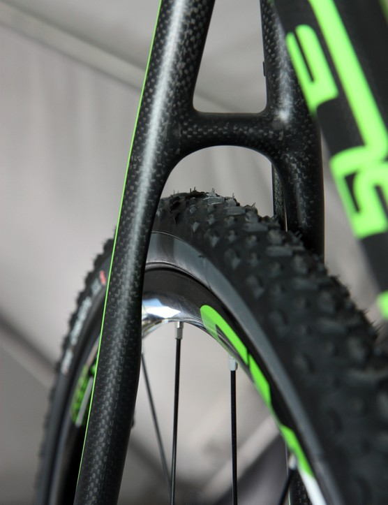 Felt scallops out the tubes on its disc-equipped F1X and F3X frames, to provide more tire clearance