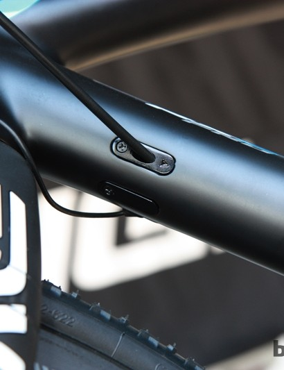 The Raleigh RXC Pro Disc can accommodate electronic or mechanical drivetrains