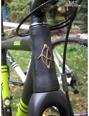 Ibis continues to use a genuine head tube badge on its bikes. Bravo