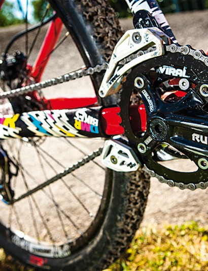 A Truvativ Ruktion crankset and Microshift mech and shifters provide the go