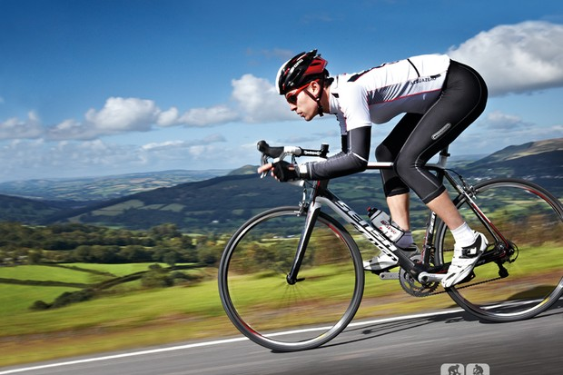 The Sensa Giulia 105 makes it easy to push the limits of your riding