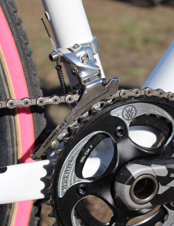 The derailleur uses a Force-style steel cage with a 2011 Red clamp on 34.9 down-pull bottom swing