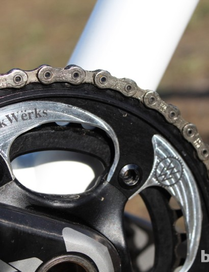WickWërks 44/34 chain rings drive a SRAM hollow-pin chain