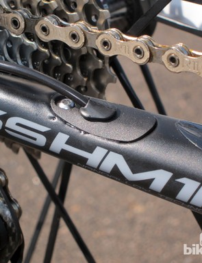 The Pinarello Dogma 65.1 Think2 can be used with mechanical cables or electronic wires with the same frame, unlike the previous Dogma