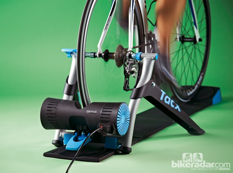 Tacx Genius Multiplayer VR trainer