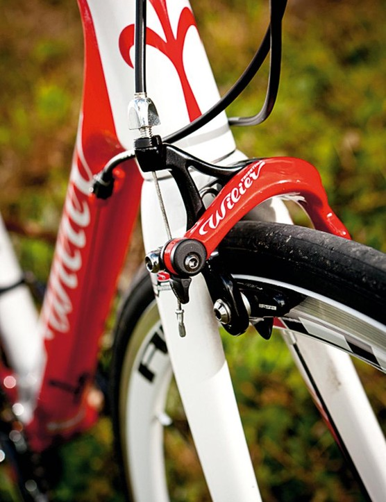 The recall affects forks shipped with the Wilier Izoard XP from October 1, 2011 to October 19, 2012
