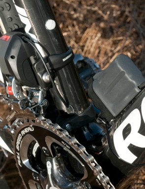The Di2 battery mount and Ultegra Di2 front derailleur, with internal wire routing on the frame